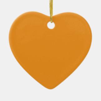 Naranja de la zanahoria adorno de cerámica en forma de corazón
