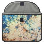 Naranja del árbol y fondo abstractos del azul fundas para macbook pro