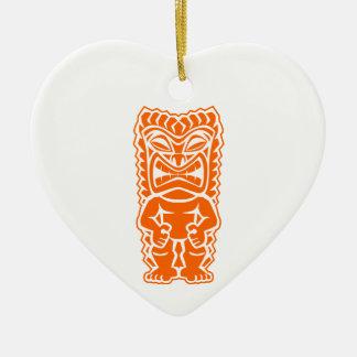 naranja del guerrero del tótem del tiki adornos