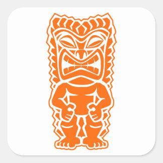 naranja del guerrero del tótem del tiki pegatina cuadrada