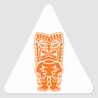 naranja del guerrero del tótem del tiki pegatina triangular
