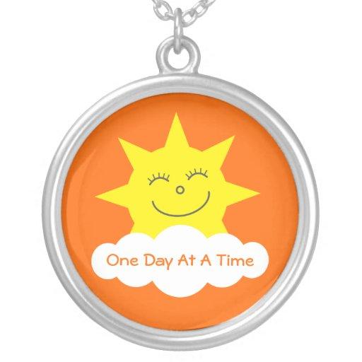 Naranja feliz del personalizable de Sun del dibujo Joyerias Personalizadas