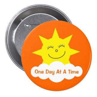 Naranja feliz del personalizable de Sun del dibujo Pin Redondo De 3 Pulgadas