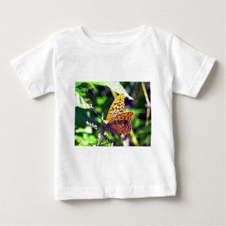 Naranja hermoso y mariposa manchada negro remeras