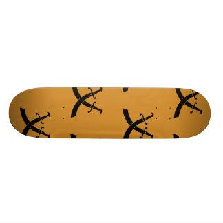 Naranja negro de las espadas tablas de skate
