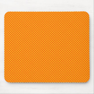 Naranja neto del modelo con amarillo tapete de ratones