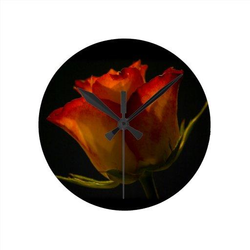 Naranja rojo y rosa amarillo relojes de pared