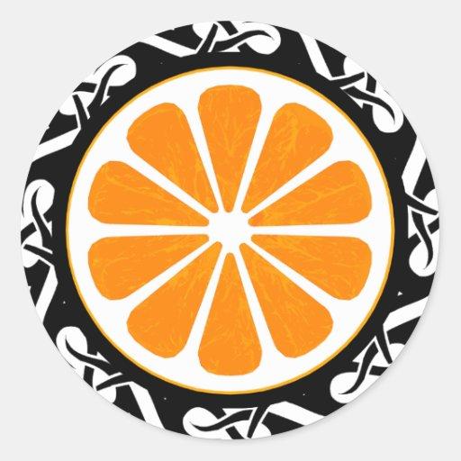 naranja. tribal pegatina redonda