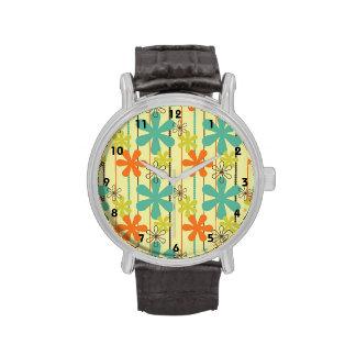 Naranja, trullo, y flores y rayas de color verde reloj de mano