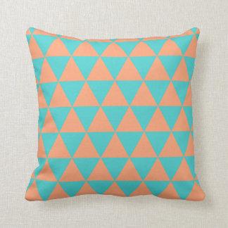 naranja y azul del modelo del triángulo almohada