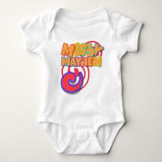 Naranja y baya sucios de la mutilación mameluco de bebé