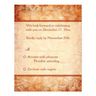 Naranja y tarjeta de contestación floral de marfil comunicado