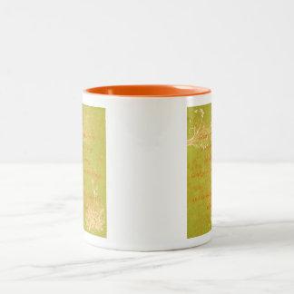 Naranja y verde del rezo de la serenidad tazas de café