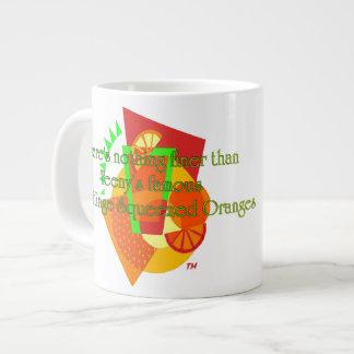 Naranjas exprimidos de la bisagra de puerta taza grande