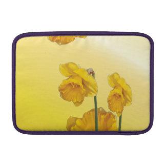 Narciso amarillo del narciso fundas para macbook air