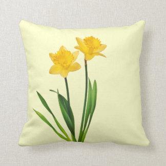Narcisos amarillos de la primavera - plantilla del cojín