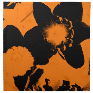 Narcisos anaranjados y negros servilletas