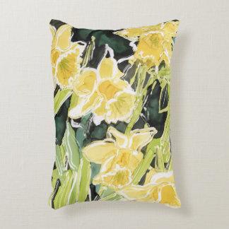 Narcisos en la almohada del jardín cojín decorativo