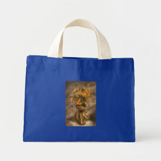 Narcisos en un florero de la arpillera bolsa tela pequeña