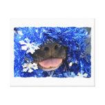 Nariz de perro negro con la lengua azul de la mall lienzo envuelto para galerías