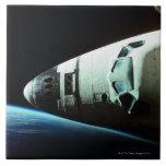 Nariz de un transbordador espacial azulejo cuadrado grande