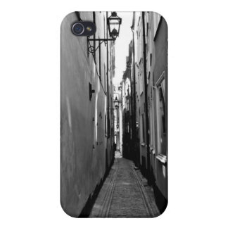 Narrow street in Stockholm iPhone 4/4S Cover