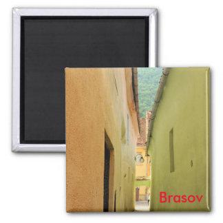 Narrow street magnet
