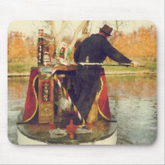 Narrowboat winding mouse pad