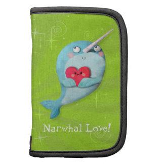 Narwhal lindo con el corazón organizador