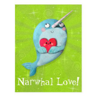 Narwhal lindo con el corazón tarjetas postales
