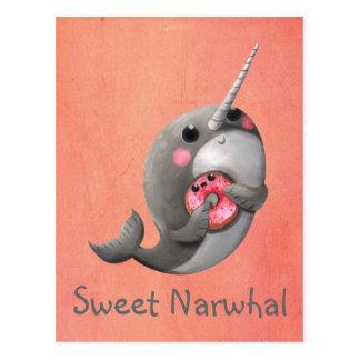 Narwhal tímido con el buñuelo postales