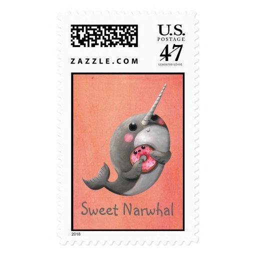 Narwhal tímido con el buñuelo timbres postales
