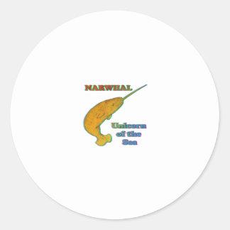 Narwhal - unicornio del mar etiqueta redonda