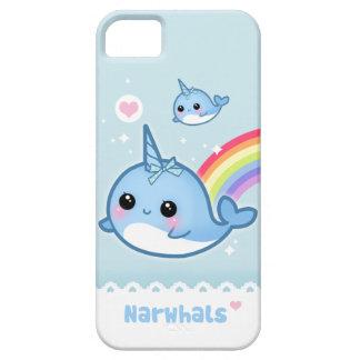 Narwhals de Kawaii con el arco iris iPhone 5 Case-Mate Funda