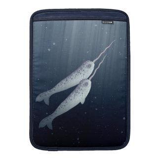 Narwhals lindo que nada junto bajo el agua funda  MacBook