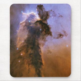 NASA - Chapitel estelar en la nebulosa de Eagle Tapetes De Raton