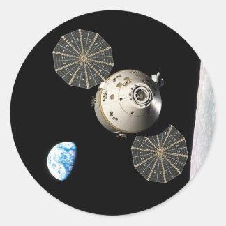 NASA Orión en órbita lunar Etiqueta Redonda