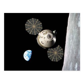 NASA Orión en órbita lunar Tarjetas Postales