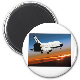 NASA SPACE SHUTTLE FLYING INTO COCOA BEACH 2 INCH ROUND MAGNET