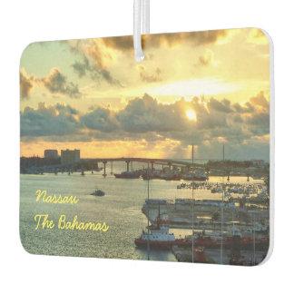 Nassau en la salida del sol