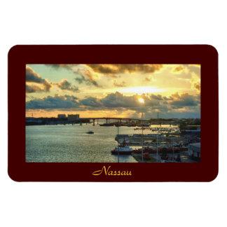Nassau en la salida del sol imán de vinilo