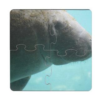 Natación adorable del Manatee Posavasos De Puzzle