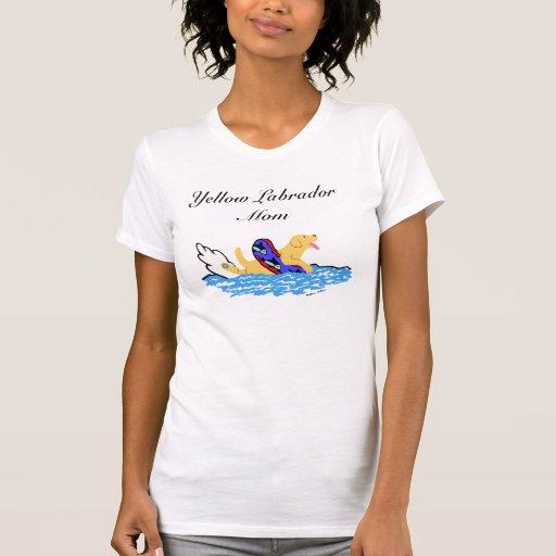 Natación amarilla de Labrador Camisetas