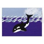 Natación de la ballena en el océano felicitaciones