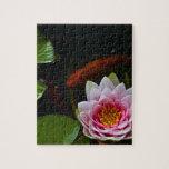 natación del koi alrededor del loto puzzles con fotos