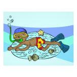 Natación del muchacho con los pescados folleto 21,6 x 28 cm