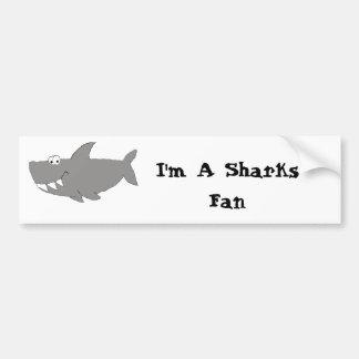 Natación del tiburón del dibujo animado etiqueta de parachoque