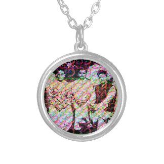 Nathuram Round Pendant Necklace
