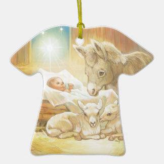 Natividad de Jesús del bebé con los corderos y el Adorno De Cerámica En Forma De Playera