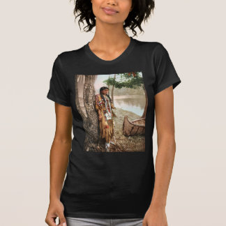 Nativo americano 1897 de Minnehaha Hiawatha Camisetas